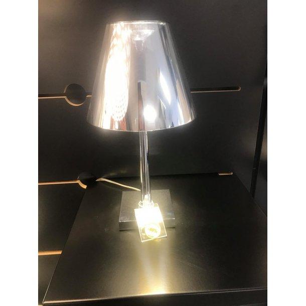 Dina T1 bordlampe krom (udstillingsmodel)