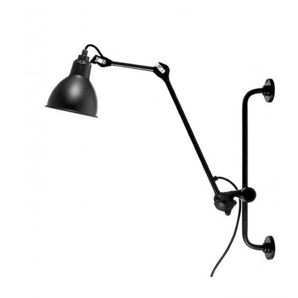 NO 210 væglampe